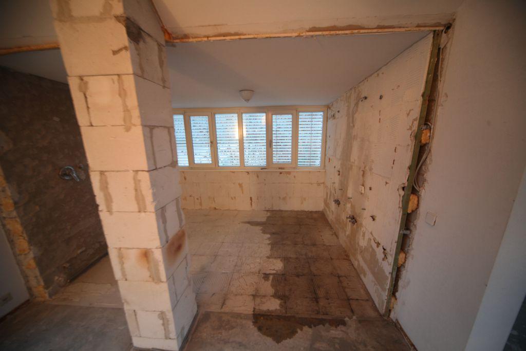 haus 3 baddg bild 1 sanieren in ulm bossmann gmbh. Black Bedroom Furniture Sets. Home Design Ideas